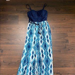 Lily arias Maxi Dress